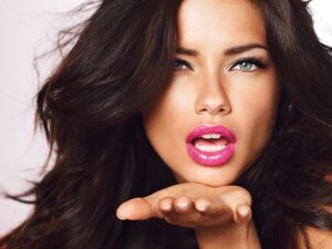 Adriana-Lima-Shares-the-Secrets-About-Her-Flawless-Look-1