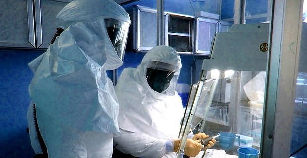 how to become an infectious disease specialist
