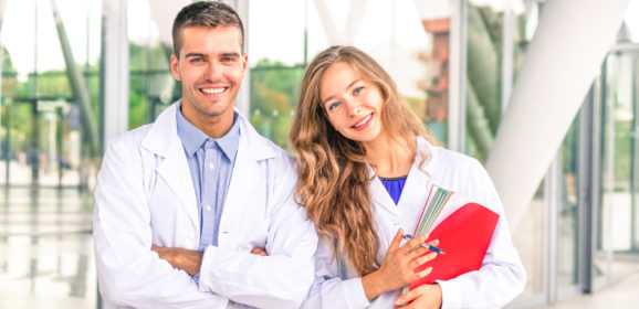 Doctor Shadowing Opportunities | 4 Tips for Pre-Med Students